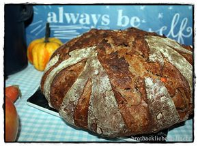 """Walnuss-Karotten-Brot für den """"World Bread Day 2015"""" brotbackliebeundmehr Foodblog"""