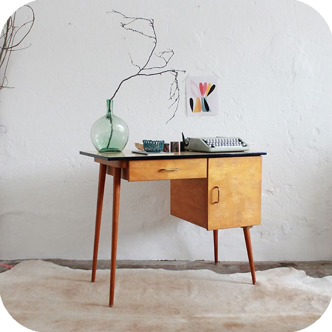17 best ideas about bureau vintage on pinterest desk ideas desk space and - Mobilier vintage enfant ...
