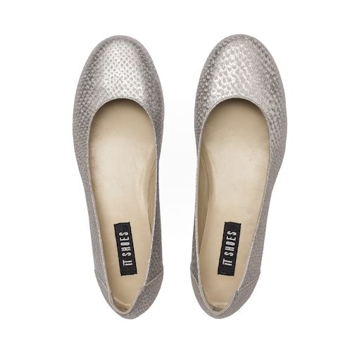 Bailarinas de piel plata con estampado de pitón By IT SHOES #itshoes #ballerinas #ballerinaflats #sabrinas #shoppingonline #style