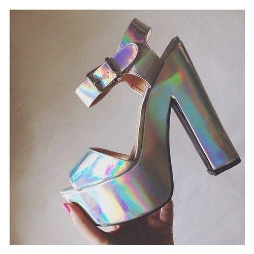 holographic shoe