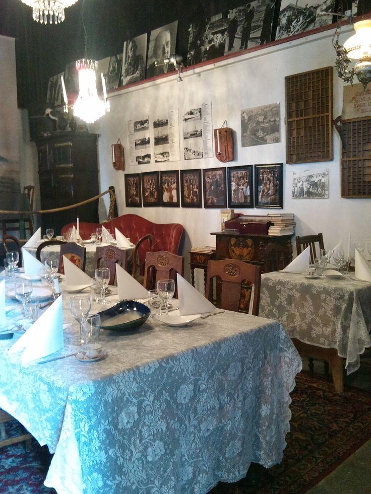 stols rkeri restaurang stol vintage interior - Beaded Inset Restaurant Interior