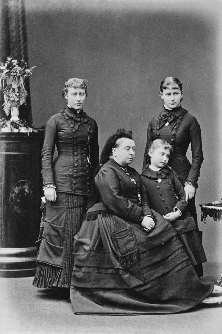 Queen Victoria with her granddaughters, Princess Victoria ...