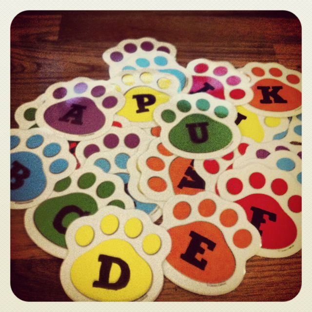 alphabet for the word wall  i stenciled letters on paw