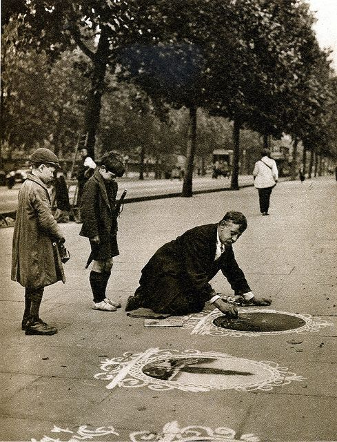 London in the 1920s, pavement artist