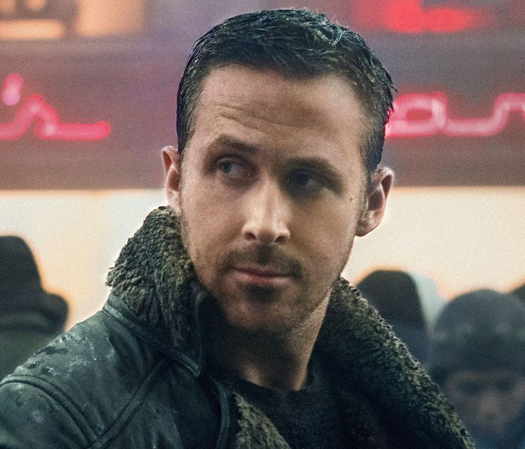 Ryan Gosling'sBlade Runner 2049look is not just for Halloween. The shearling jacket, tactical shoes and haircut can all be replicated and look good enough to wear every day. Officer K's haircut is a longer and choppier