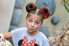 Minnie-Maus-Knoten   21 schnelle Kinder-Frisuren Für sehr beschäftigte Eltern
