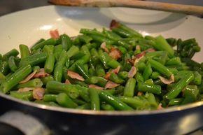 zelené fazolky se slaninou a česnekem