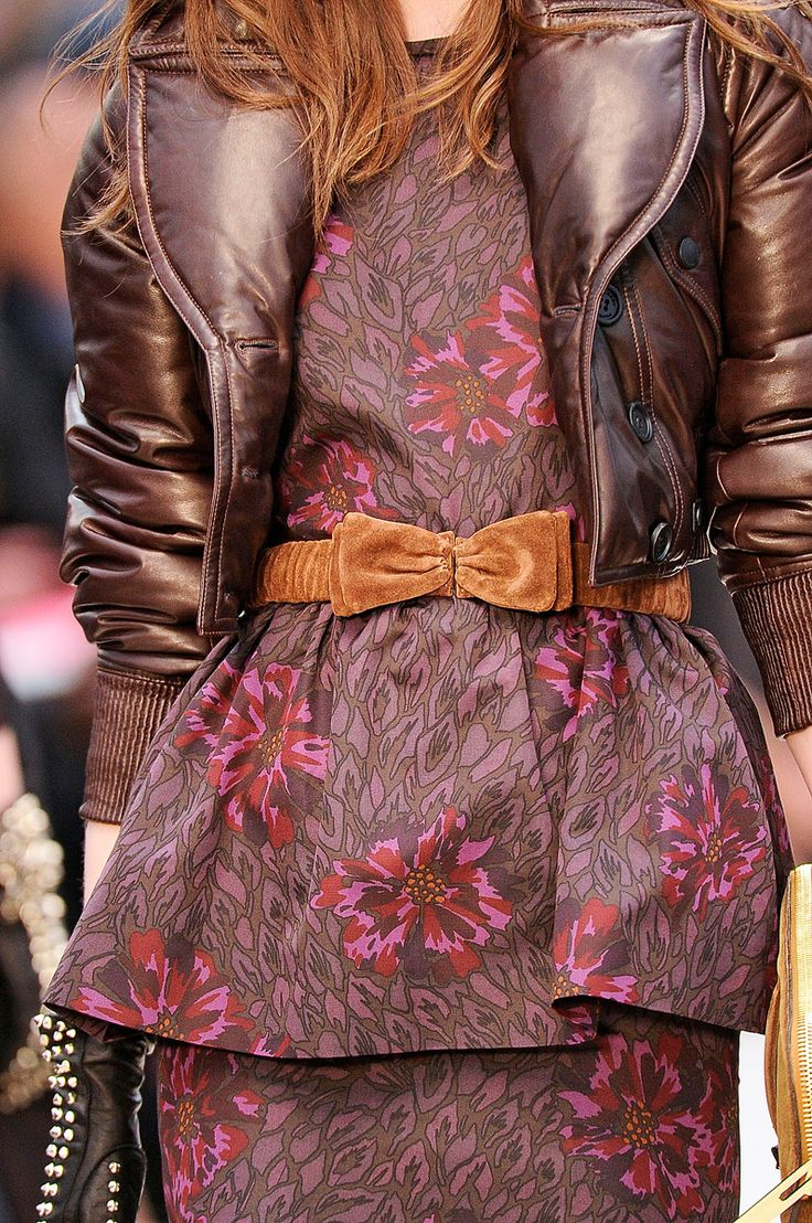 aclockworkpink:    Burberry Prorsum F/W 2012, London Fashion Week