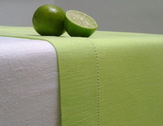 Chaux vert Table lin Runner ajouré sur Etsy, 21,60€