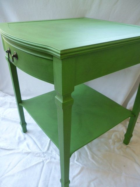 Attrayant I Love The Shape Of The Table. Great Inspiration! Vintage Hand Painted Green  End