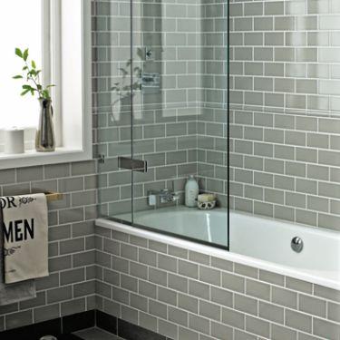 Badezimmer, 1930 Bad, Loft Badezimmer, Badezimmer Mit Dusche, Kleines Bad,  Badezimmer Ideen, Bad Umbau, Master Badezimmer, Graue U Bahn Fliesen