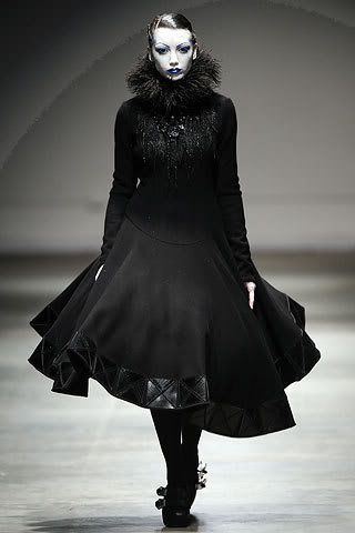 17 Best Images About Gothic Fashion On Pinterest Heavy Metal Fashion Runway And Choker