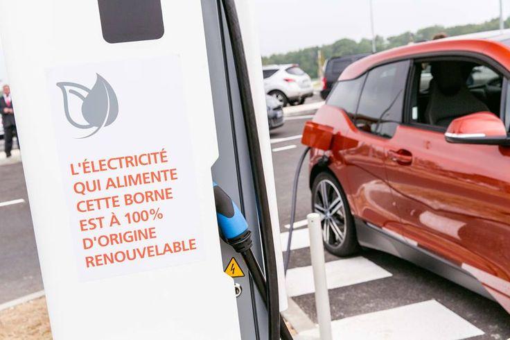 BMW i, la gamme BMW électrique élargit son réseau ChargeNow, avec l'arrivée de 200 chargeurs rapides du projet Corri-Door, avant la fin de l'année 2015. Crédits : Share & Dare #BMWi #electric #charge #shareanddare