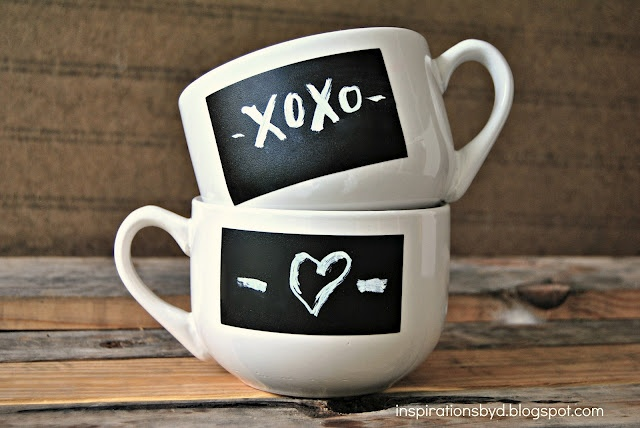 DIY chalkboard mugs with chalkboard labels!