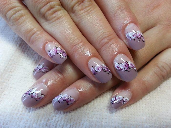 like : http://naildesign.beautybona.com/