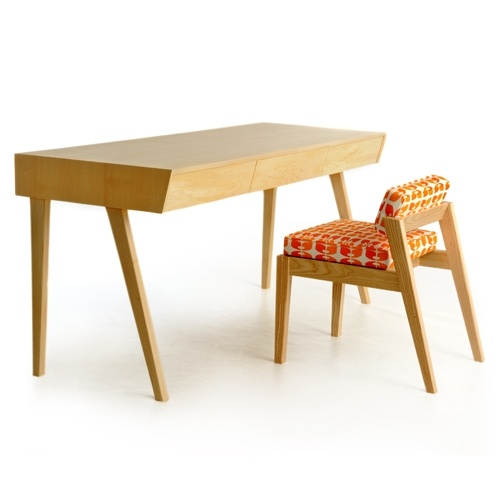 love this modern desk and chair