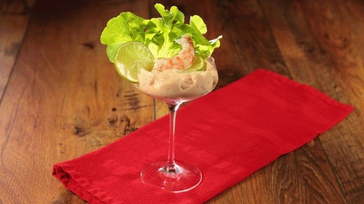 Senza idee per l'aperitivo? Andiamo con il classico: Cocktail di gamberetti al Brandy #Aperitivi, #Aperitivo, #Brandy, #Cocktail, #Gamberetti, #Gamberi, #Ingredienti, #Ricetta, #RicettaSpeciale, #SalsaDiGamberetti http://mangiare.moondo.info/senza-idee-laperitivo-classico-cocktail-gamberetti-al-brandy/
