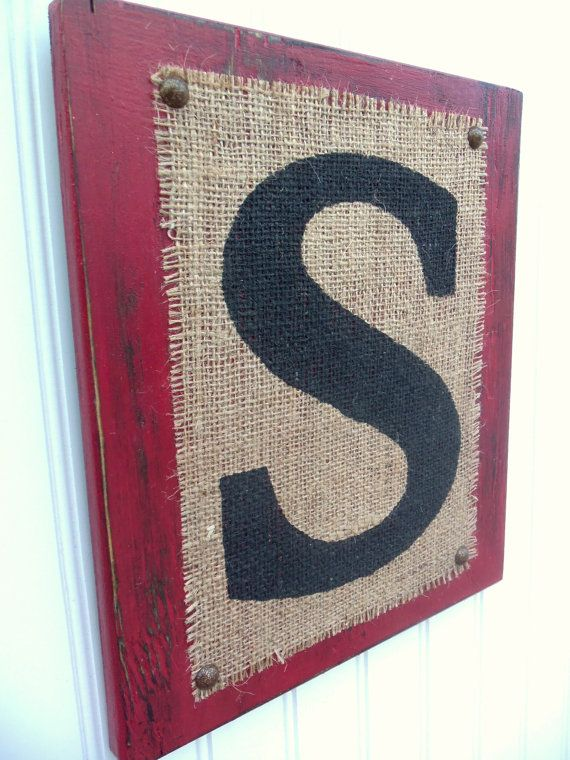 I could use this  concept Of burlap on canvas for screen printing