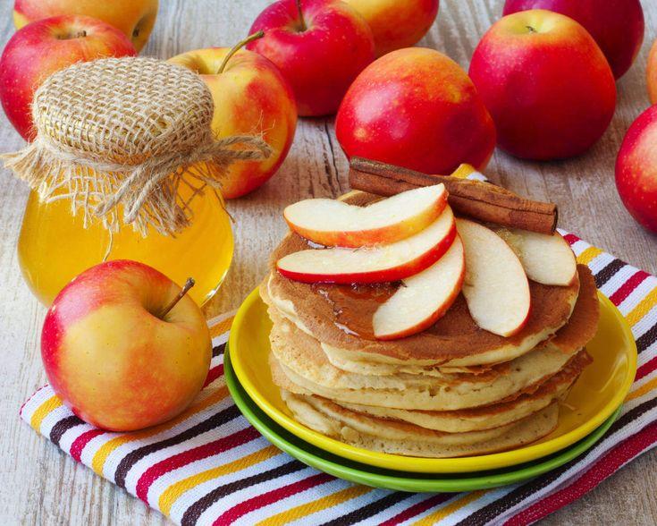 Блины яблочные, ореховые и сметанные - 3 рецепта » Женский Мир