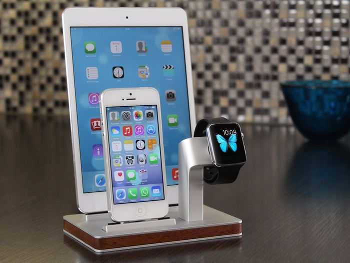 PREMIUM ONE-First All-in One Dock for Apple Watch & iPhone by Michael, Enblue Technology — Kickstarter