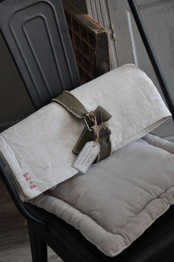 17 best images about plaids et bouts de lits on pinterest. Black Bedroom Furniture Sets. Home Design Ideas
