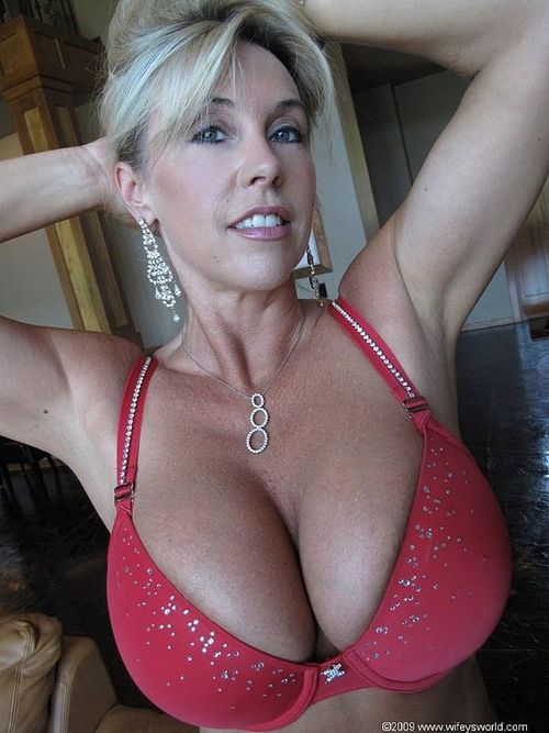 wifeys boobs