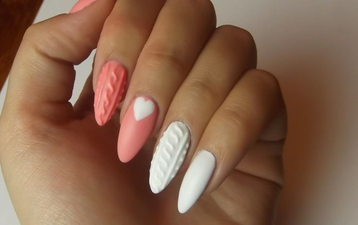 Knitted sweater nail trend