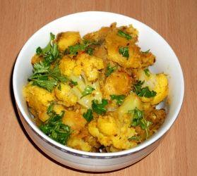 Aloo Gobi - Curry uscat de Cartofi cu Conopida