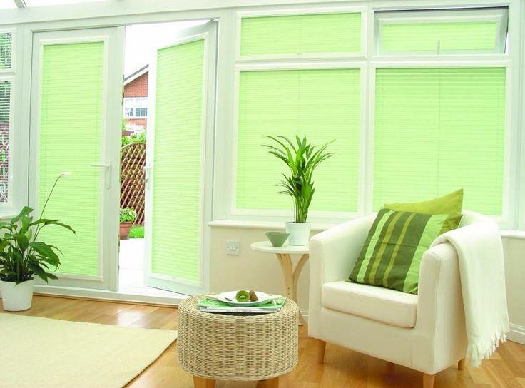 Жалюзи зеленого цвета в интерьере  #window #blinds #interior #балкон #шторы #жалюзи #жалюзиплиссе #плиссе #декорокна #green #greenblinds #зеленыежалюзи