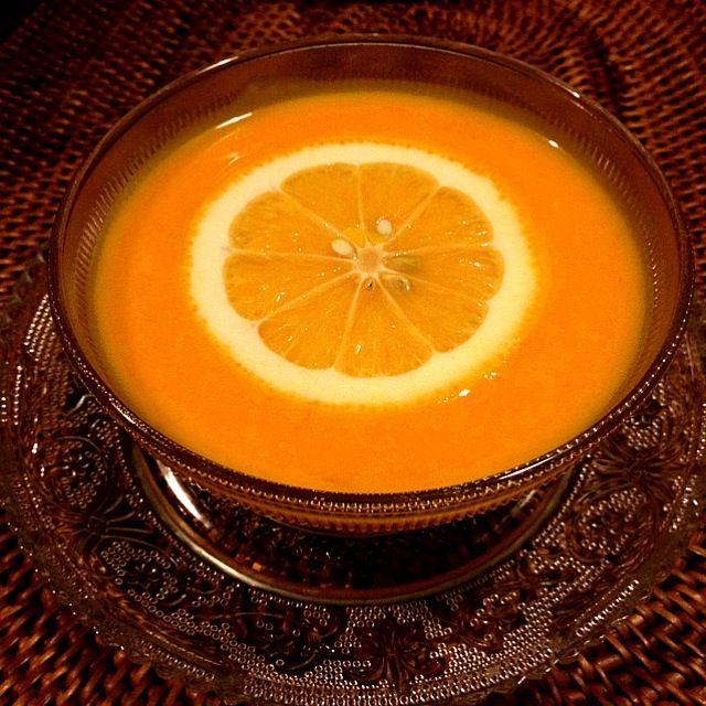 この夏お気に入りの甘酸っぱくて冷たいスープです - 69件のもぐもぐ - メイヤーレモンとかぼちゃの冷製スープ by kyai4ever
