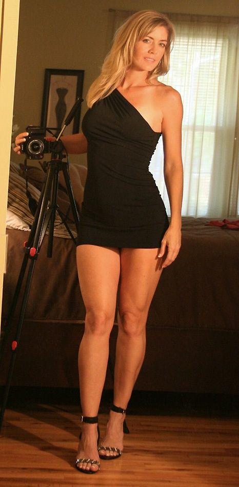 Порно фото в обтягивающих платьях мини фото 13828 фотография
