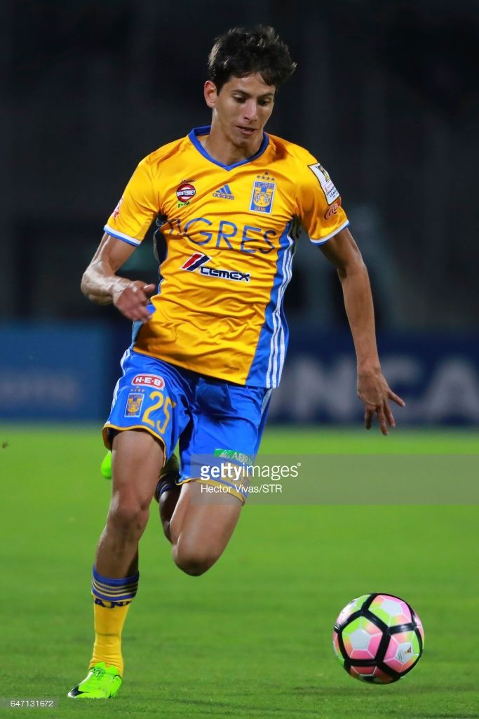 Jurgen Damm of Tigres drives the ball during the quarterfinals second leg match between Pumas UNAM and Tigres UANL as part of the CONCACAF Champions League 2017 at Olimpico Universitario Stadium on March 01, 2017 in Mexico City, Mexico.