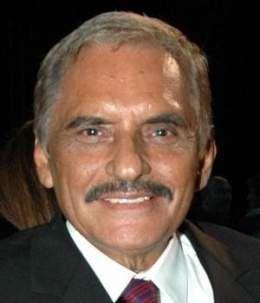 Manuel-ojeda-actuara-en-un-gancho-al-corazon-300x350.jpg
