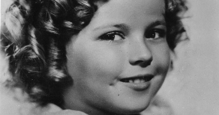 Shirley Temple è morta all'età di 85 anni, ad annunciarlo la Bbc. Addio all'indimenticabile enfant prodige del cinema statunitense. L'attrice si è spenta nelal sua casa di Woodside, in California, per...