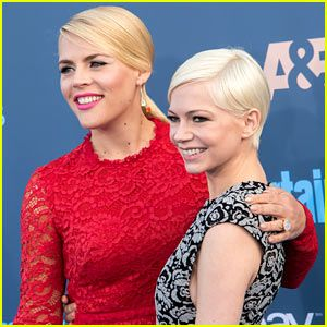 Michelle Williams on 'Dawson's Creek' Co-Star Busy Philipps: 'I'm So in Love With Her'