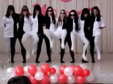 Мозг не может воспринять этот танец правильно из-за костюмов )) Песня в видео Hiss - Tanz (спасибо виктору воробьеву)