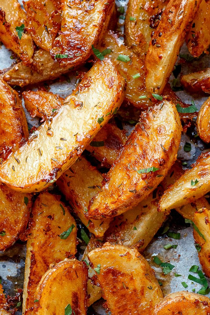 Baked Garlic Parmesan Potato Wedges – Crispy on the outside and tender on the inside, these easy baked potato wedges will blow you away with their simplicity and fantastic flavor! A great sid…