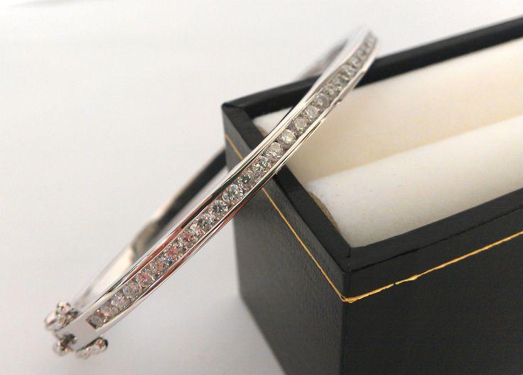 Gorgeous handmade white gold & diamond bracelet