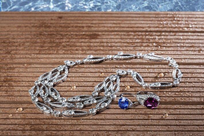 Haute Jewelry: Poolside Glamour