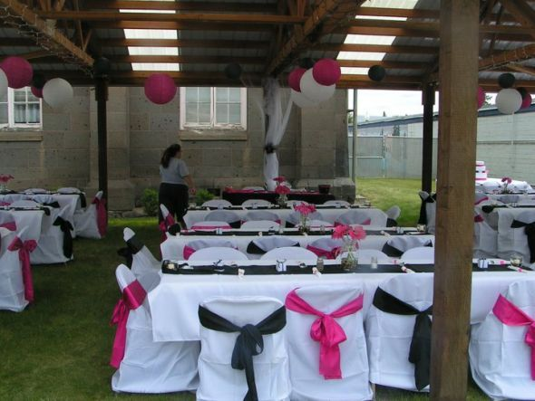Hot pink and black wedding decorations ideas