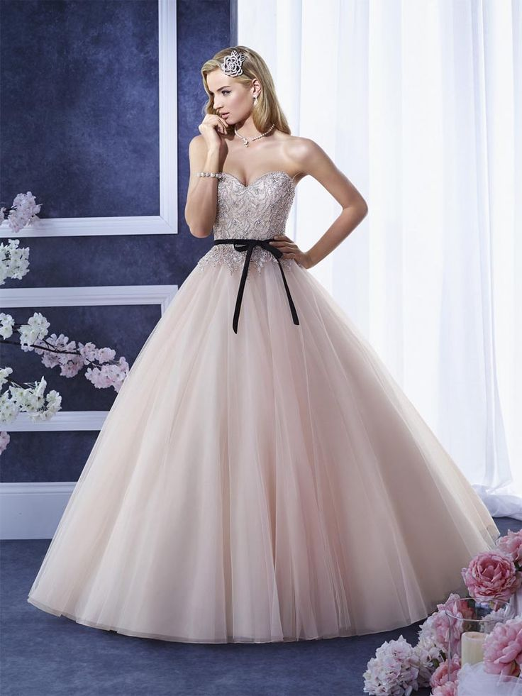 Beaded Strapless Sweetheart Ball Gown Tulle Princess Wedding Dress 26