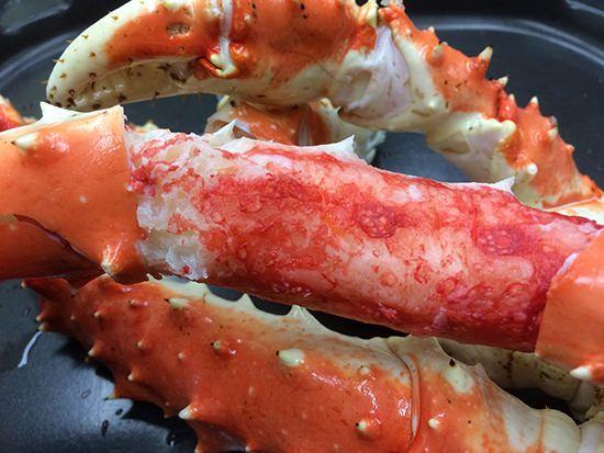 たらば蟹を豪快に焼いた「まるごと一本焼き」