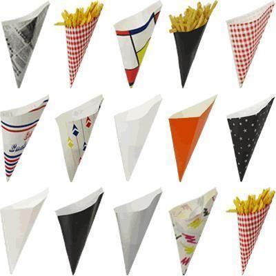 Como fazer cones de papel - fotos e modelos. Se uma festa de aniversário se aproxima e você deseja personalizar os cones de papel para pôr comida ou doces ou simplesmente para recobrir os cones de sorvetes que seus filhos irão saborear, aqui dis...