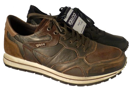 Casual Italian shoe for men with black leather. By Igi&Co