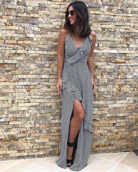 """2,585 curtidas, 18 comentários - Silvia Bussade Braz (@silviabraz) no Instagram: """"Gente que ama um vestido longo Se tiver babado, fenda e movimento aí é melhor ainda ✨…"""""""