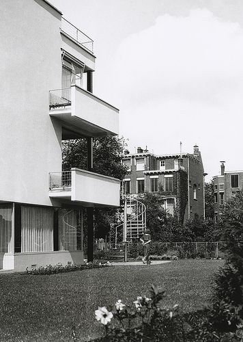 J.A. Brinkman and L.C. van der Vlugt. Sonneveld House, Rotterdam, The Netherlands, 1930s.