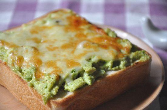 のっけるだけで美味しく変身!食パンがごちそうトーストになるアレンジ8選 - Spotlight (スポットライト)