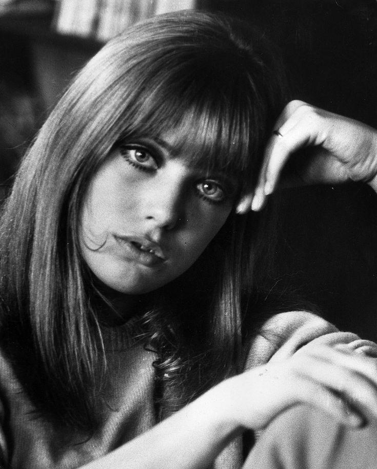 Corto como #Audrey o desenfadado como #Françoise... 10 fotos que inspiran el fleco perfecto. http://buff.ly/1xEbsEY