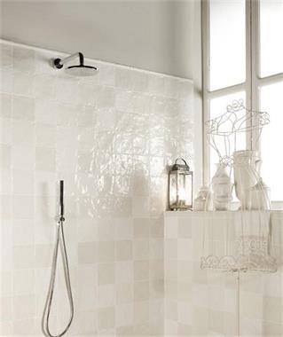 25 beste idee n over doe het zelf badkamer idee n op pinterest kleine badkamer decoreren - Tegels voor wc foto ...