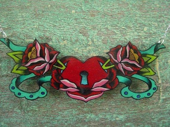 Hey, diesen tollen Etsy-Artikel fand ich bei https://www.etsy.com/de/listing/58560785/vintage-tattoo-rose-mit-herz-jesu-mit